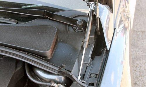 NB Styling Bonnet Struts Focus RS