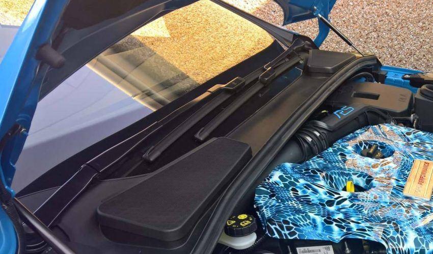 Nitrous Bue Bonnet Struts Mk3 Focus RS Close