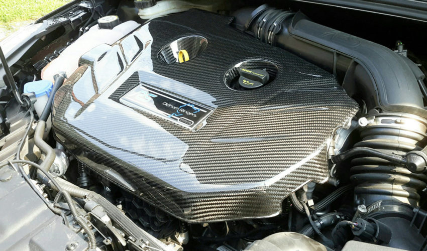 Kuro Carbon Engine Cover MK3 Focus RS